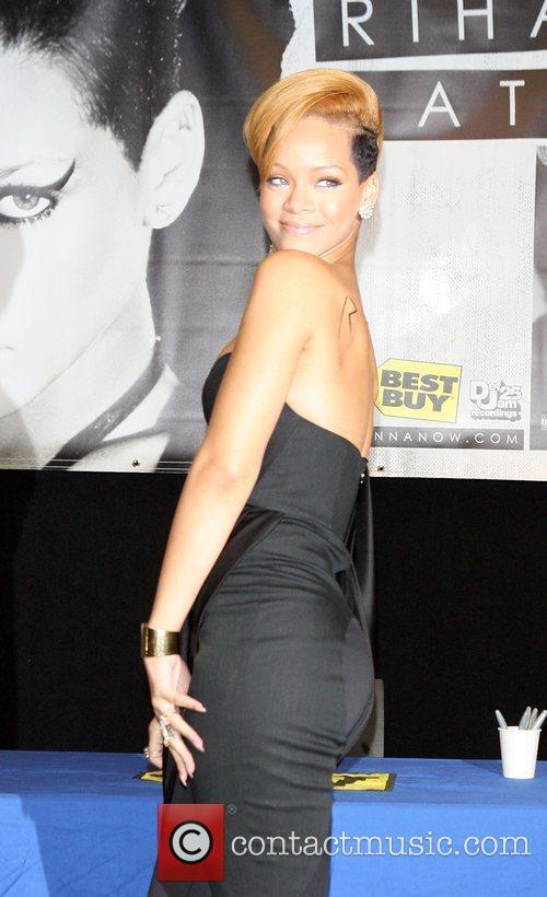 Rihanna and Def Jam 17