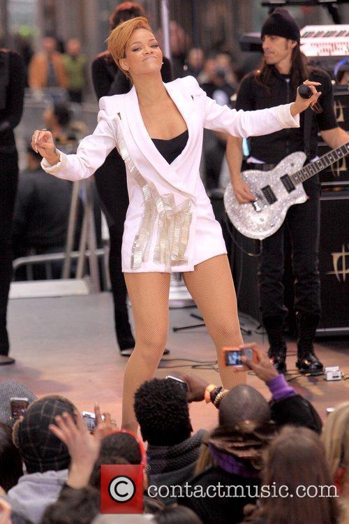 Rihanna 14