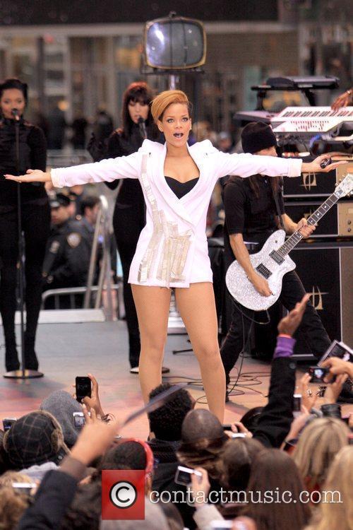 Rihanna 36