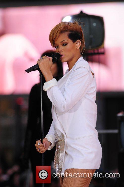 Rihanna 136