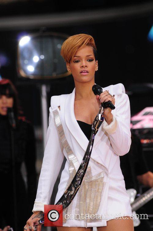 Rihanna 133