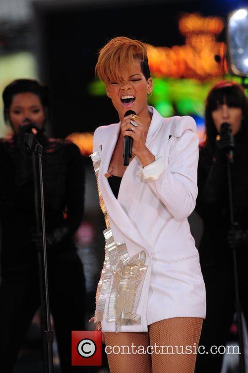 Rihanna 126