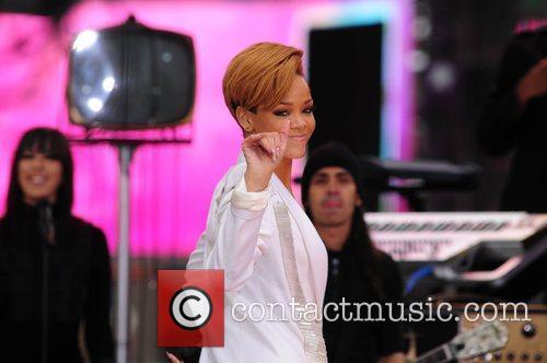 Rihanna 129