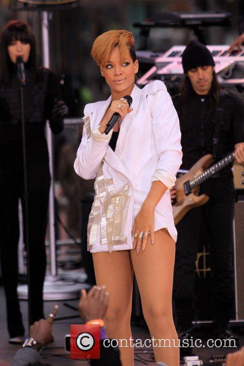 Rihanna 113