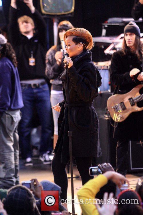 Rihanna 118
