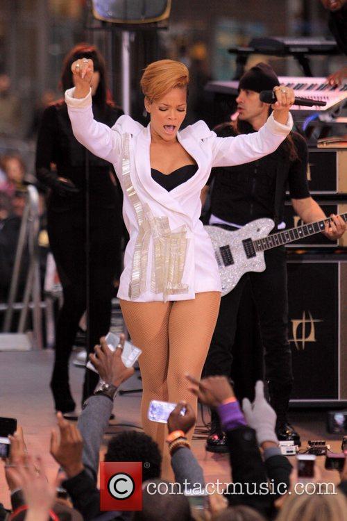 Rihanna 107