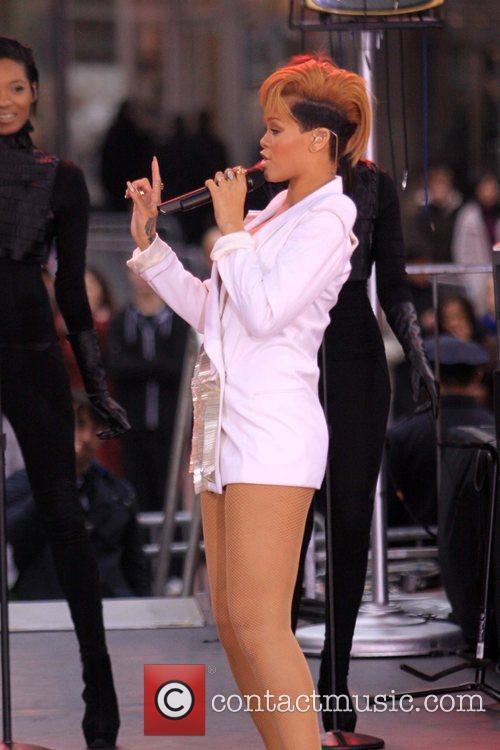 Rihanna 120