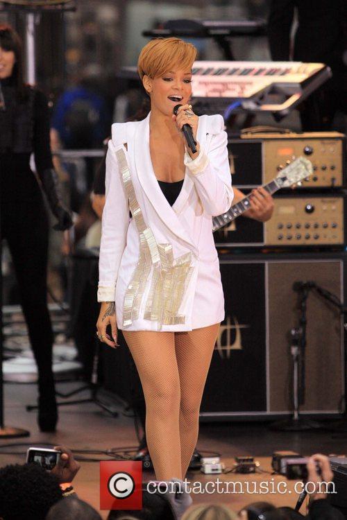 Rihanna 54
