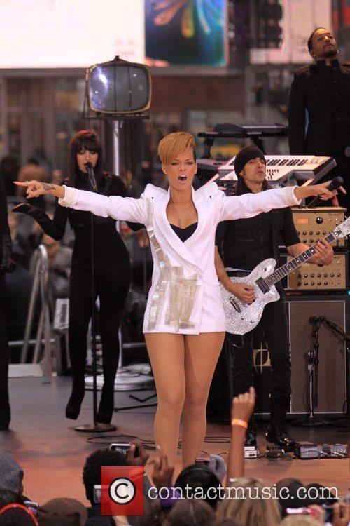 Rihanna 51