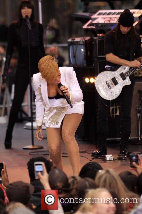 Rihanna 59