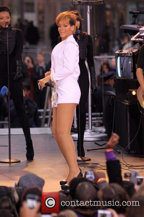 Rihanna 84