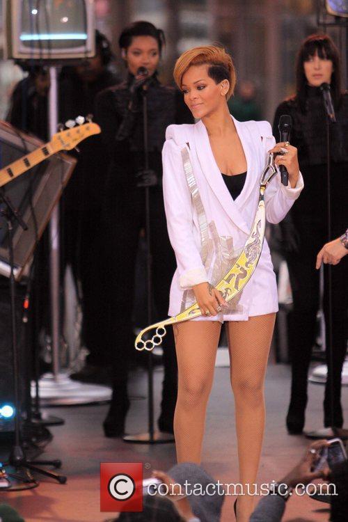 Rihanna 89