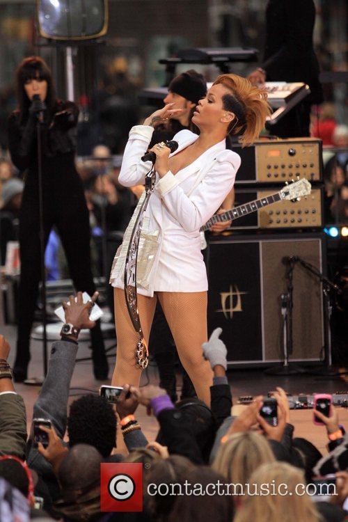Rihanna 96
