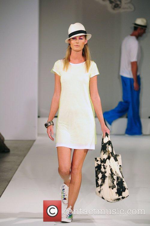 Model Funkshion Fashion Week - Rio Soul Fashion...