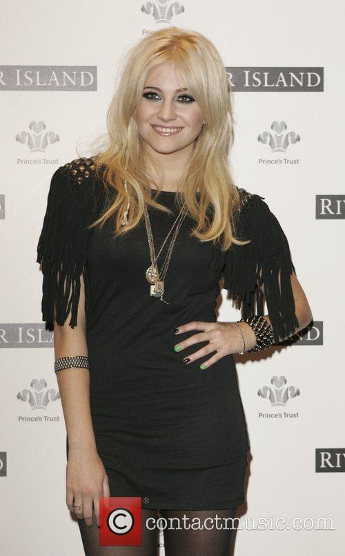 Pixie Lott River Island Presents - T's For...