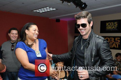 Fan and Robin Thicke Robin Thicke stops by...