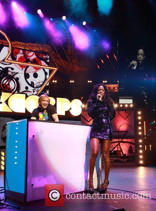 Kelly Rowland and Dj David Guetta 8