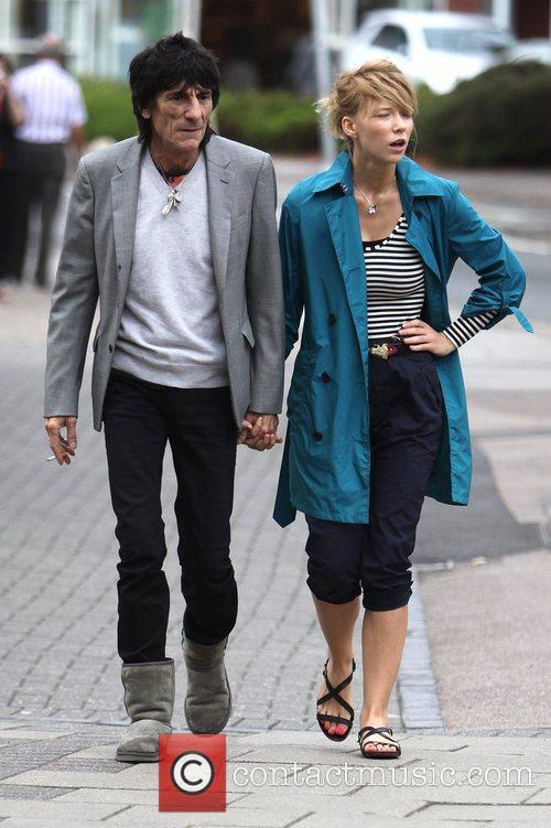 Ronnie Wood and Ekaterina Ivanova 31