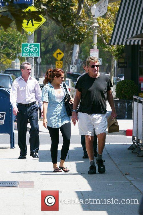 Ryan O'neal Takes Food To Go After Having Lunch With A Friend 2
