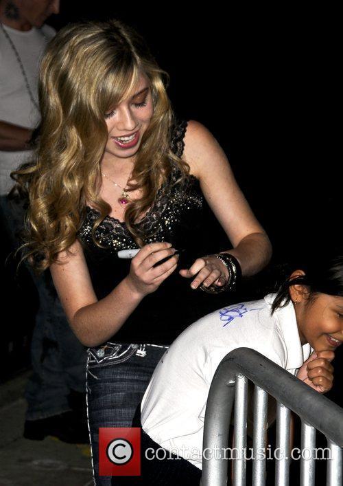 Jenette McCurdy Onitsuka Tiger presents Salena Gomez Album...