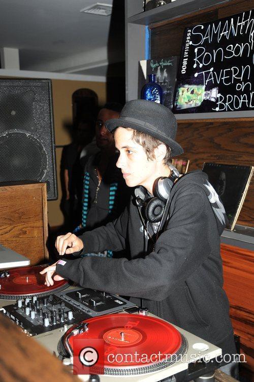 DJ Samantha Ronson spins at Tavern on Broad...