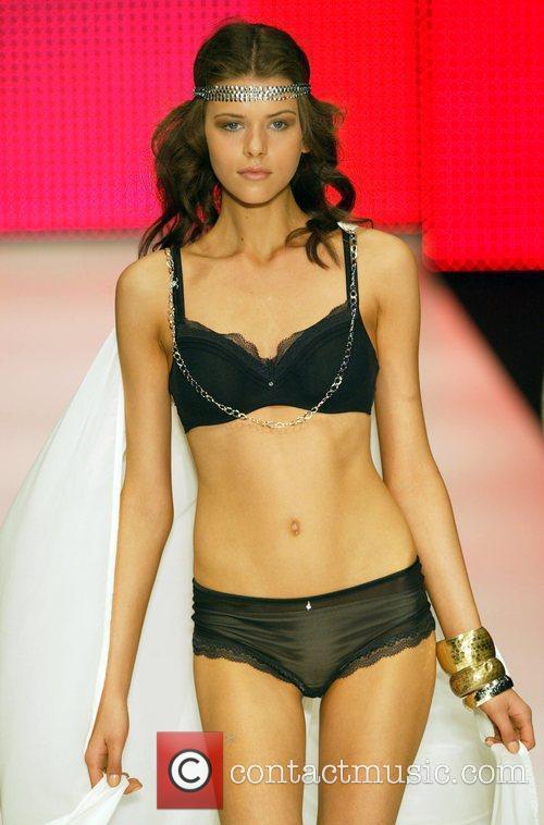 Model The Rosemount Sydney Fashion Festival – Berlei...