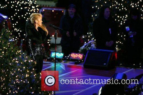 Singer Shakira 4