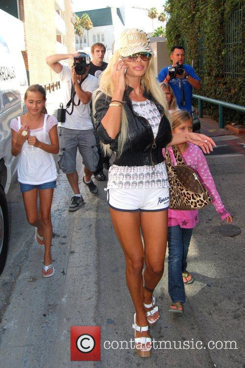 Shauna Sand and Her Daughters 8