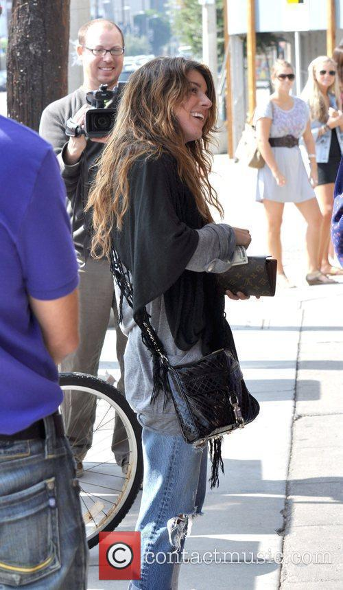 Shenae grimes leaving toast restaurant 6 pictures for Asian cuisine grimes
