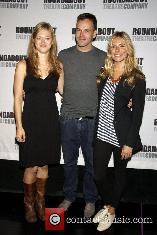 Marin Ireland and Jonny Lee Miller 3