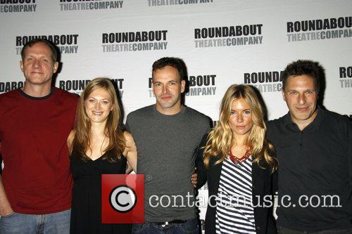 Mark Brokaw, Jonny Lee Miller and Sienna Miller 1