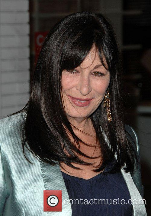 Anjelica Huston and Stella Mccartney 1