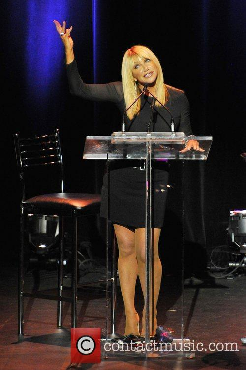 Suzanne Somers Live Knockout: Bio-Identical Hormone Therapy &...