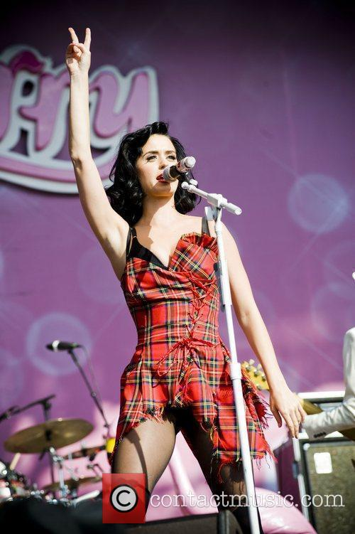 Katy Perry and T In The Park 1