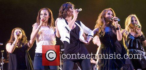 The Saturdays T in the Park 2009 -...