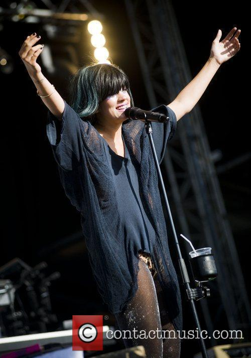 Lilly Allen T in the Park 2009 -...
