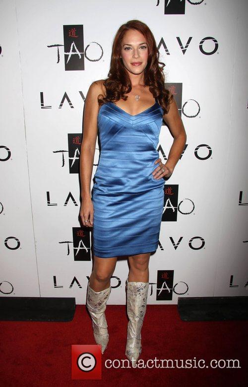 Amanda Righetti 4