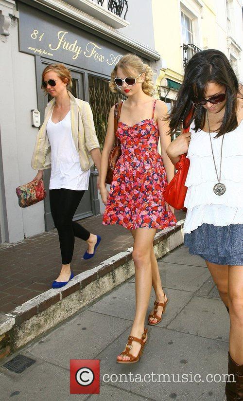 Taylor Swift 23