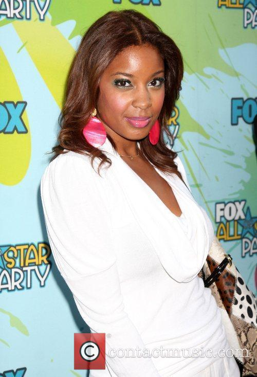 http://www.contactmusic.com/pics/lc/tca_fox_party_nn_060809/reagan_gomez-preston_2532303.jpg