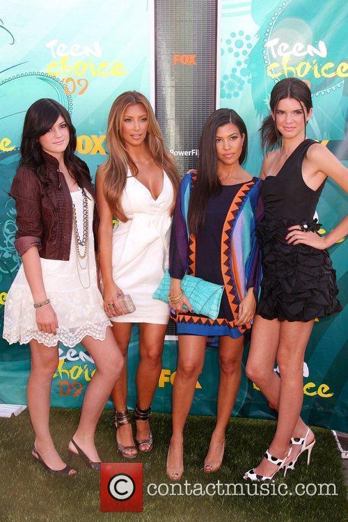 Kim & Khloe Kardashian with Jenner Sisters Teen...