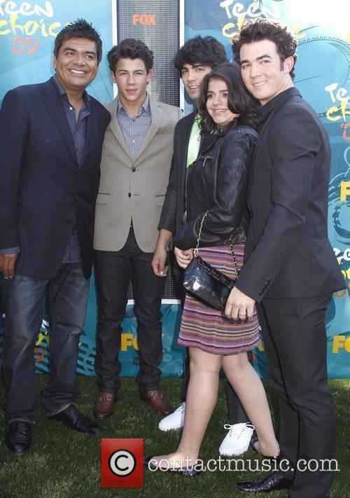 George Lopez and the 'Jonas Brothers' Teen Choice...