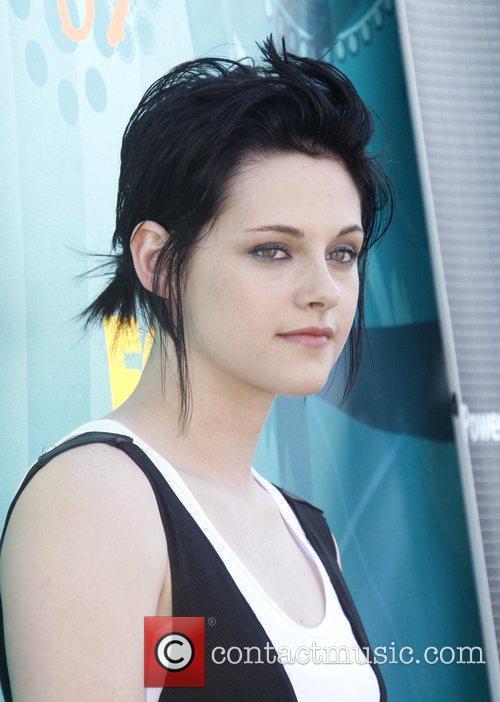 Kristen Stewart Teen Choice Awards 2009 held at...