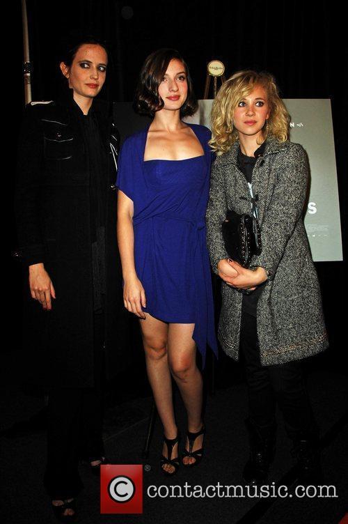 Eva Green, Maria Valverde and Juno Temple 10
