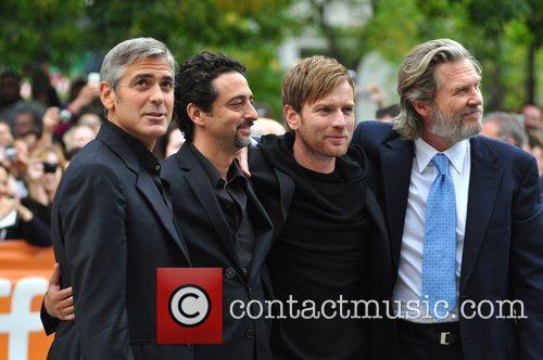 Jeff Bridges, Ewan Mcgregor and George Clooney 7