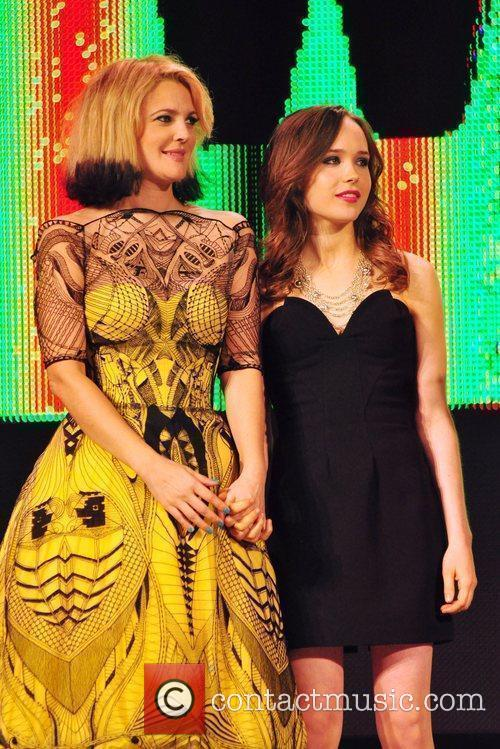 Drew Barrymore and Ellen Page 7