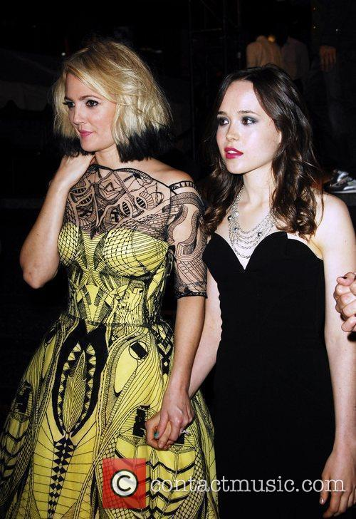 Drew Barrymore and Ellen Page 4