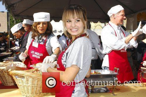 Debby Ryan '5th Annual Thanksgiving Meal for the...