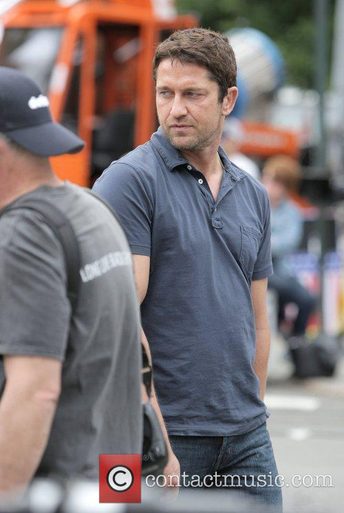 Gerard Butler on the set of 'The Bounty...