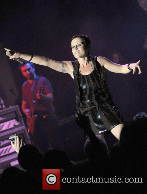 Dolores O Riordan and Cranberries 6