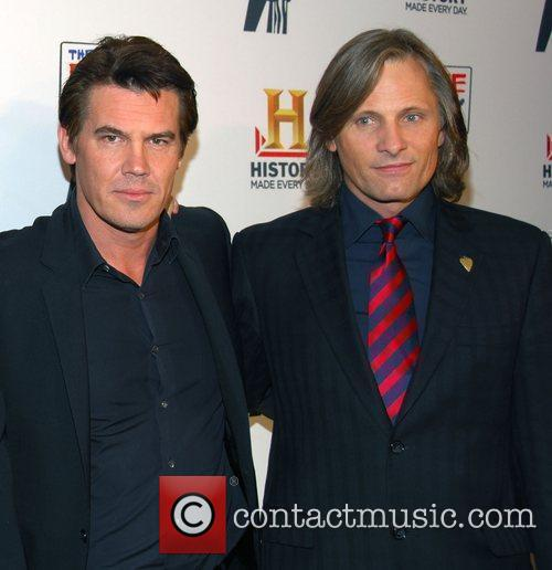 Josh Brolin and Viggo Mortensen 4